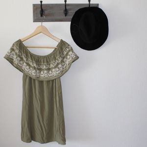 Love Tree Green Embroider Ruffle Shoulder Dress S